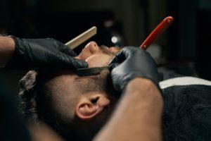 Barber Skills mit Handschuh